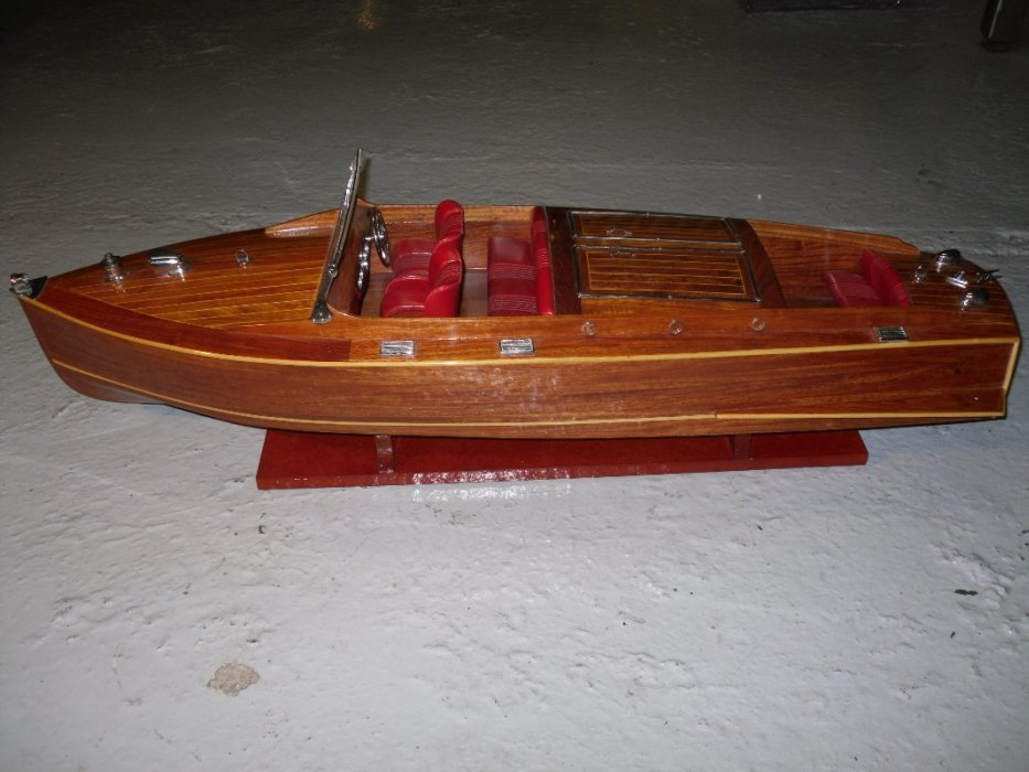 Boat chris craft barell back for Chris craft boat accessories