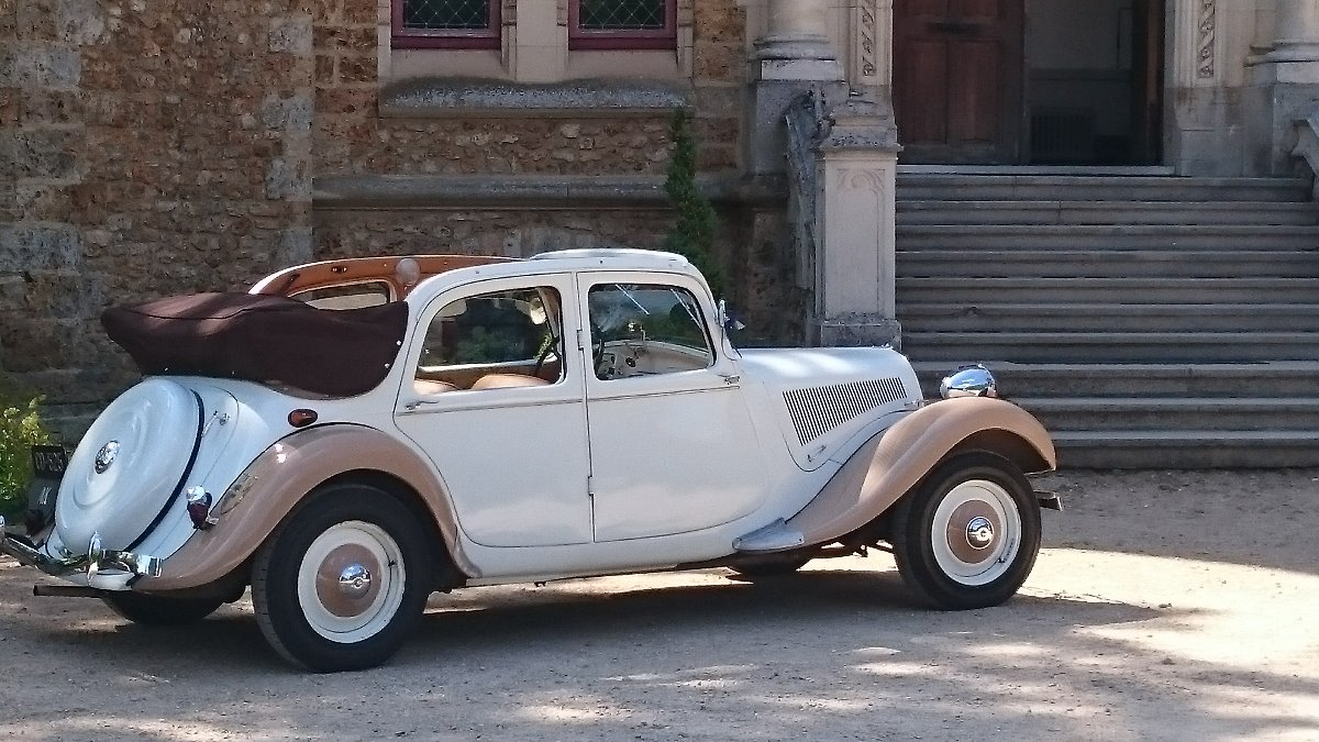 citro n 11 bl de 1950 traction avant. Black Bedroom Furniture Sets. Home Design Ideas